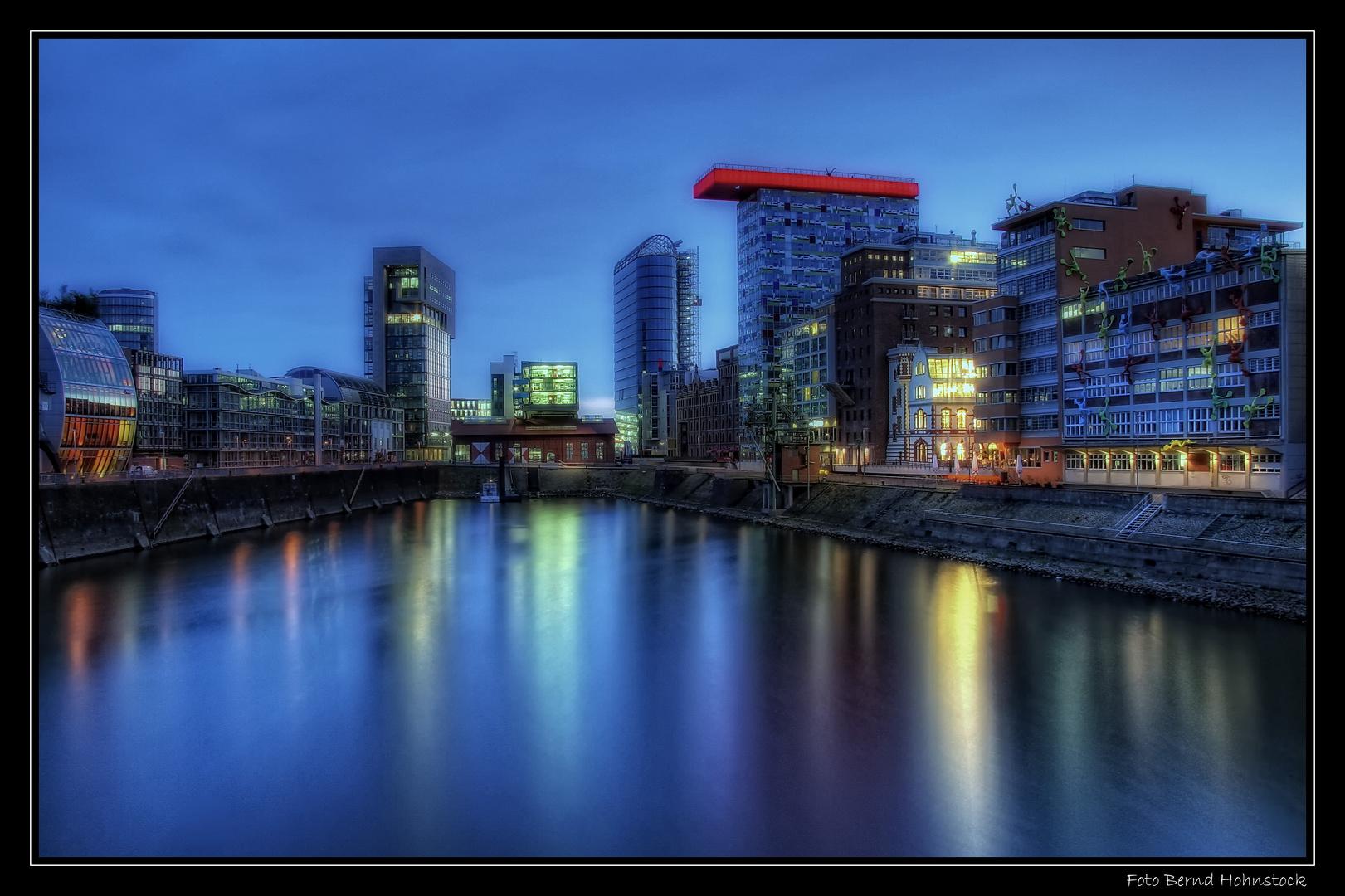 Hafenbecken Medienhafen Düsseldorf ...