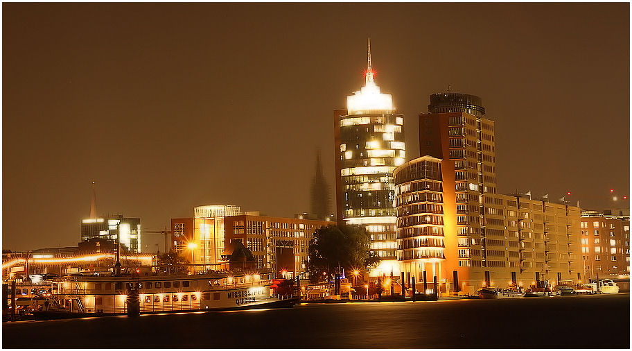Hafencity bei Nacht