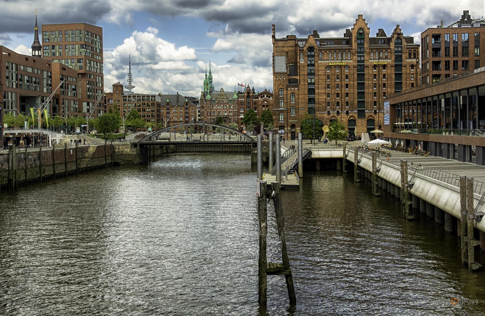 - HafenCity -