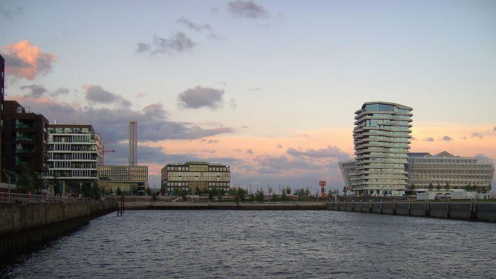 HafenCity in 16:9