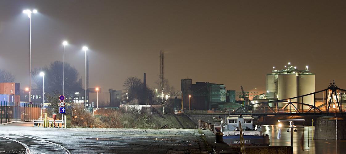 Hafenimpression. / Rheinhafen - Krefeld - Uerdingen.