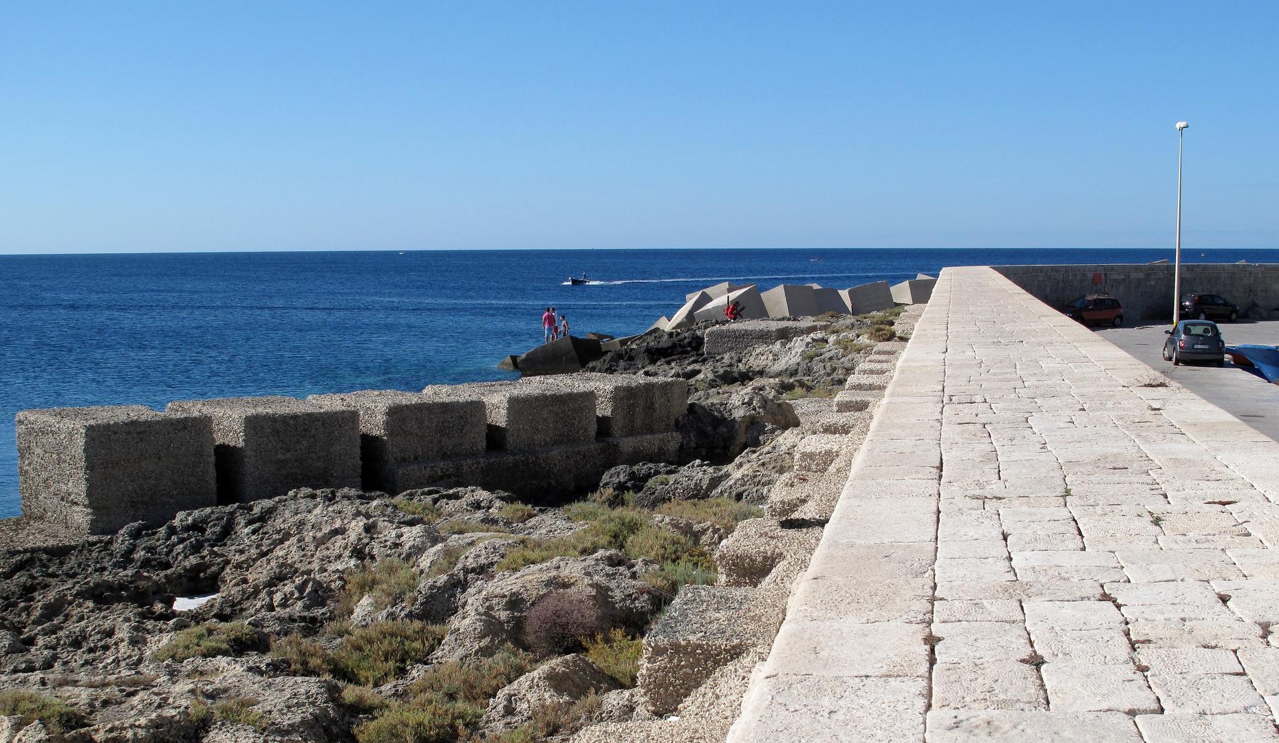 Hafenmole bei Gallipoli