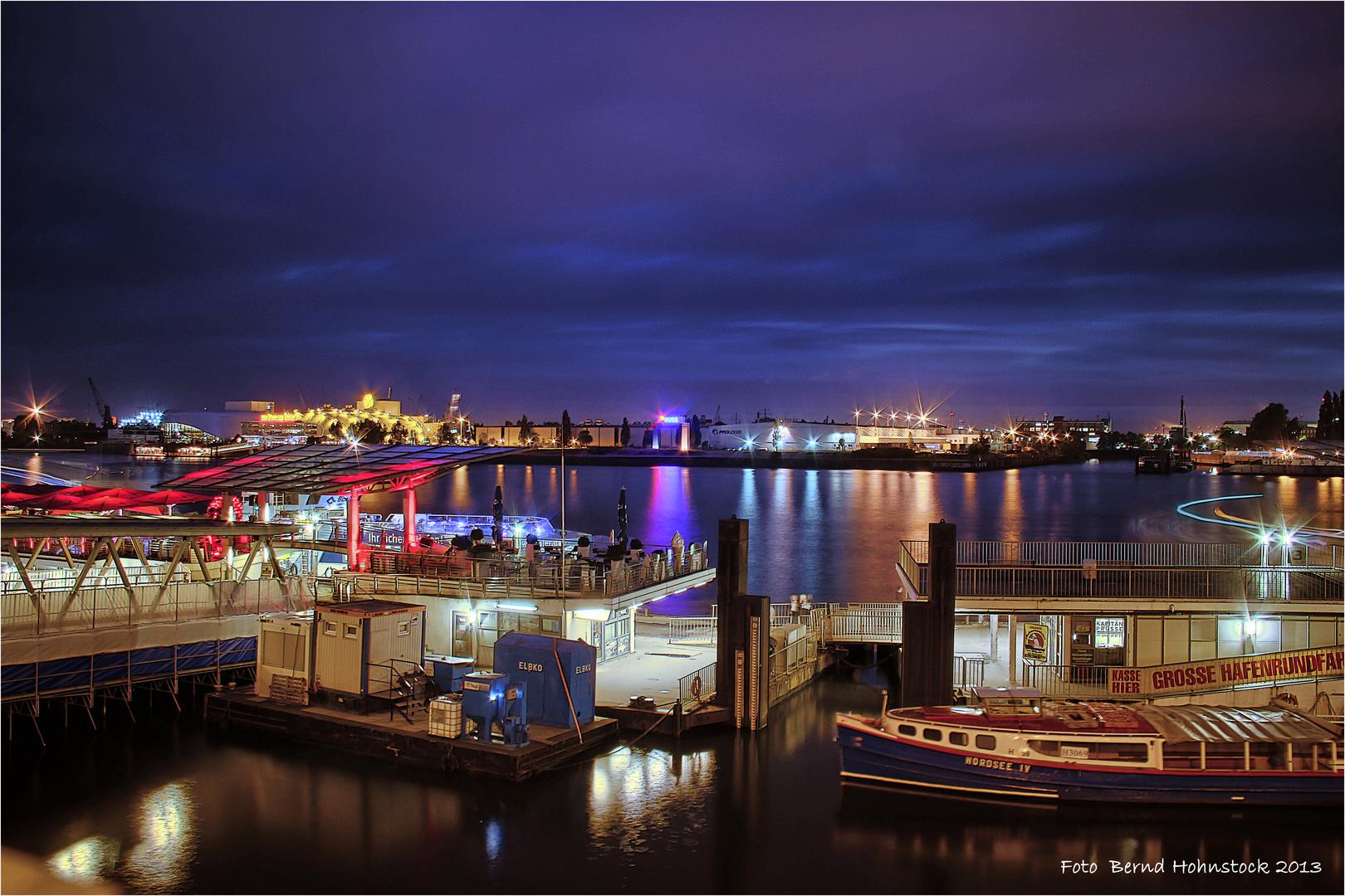 Hafenrundfahrt ... St. Pauli-Landungsbrücken
