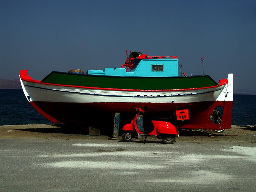 Hafenstimmung mit Vespa.
