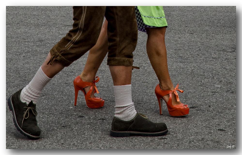 Haferlschuhe und High-Heels