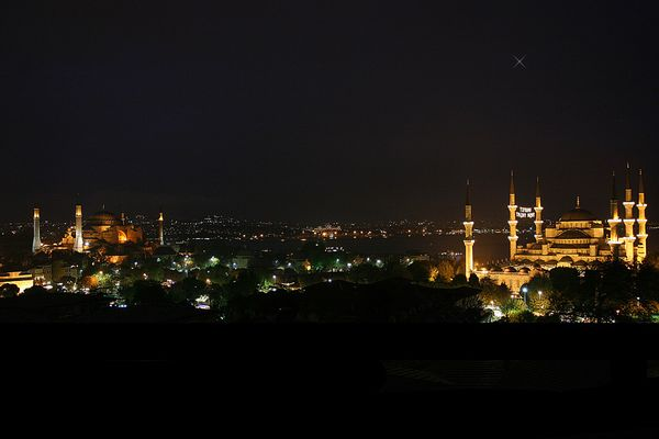 Hagia Sophia & Blaue Moschee bei Nacht