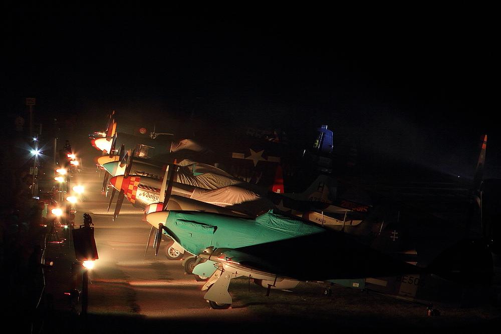 Hahnweide 2013 III  - Flightline bei Nacht