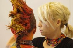 Hairstyling - Model und Stylistin