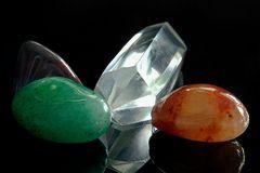 Halbedelsteine mit Bergkristall