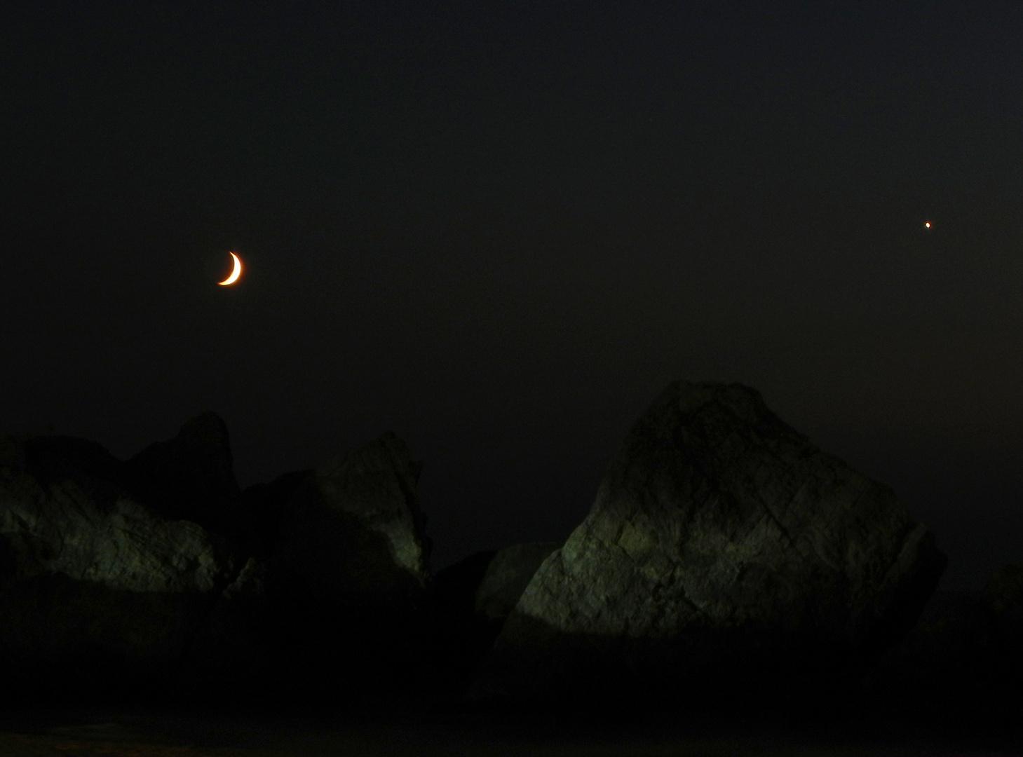 Halbmond und Abendstern über der türkischen Schwarzmeerküste