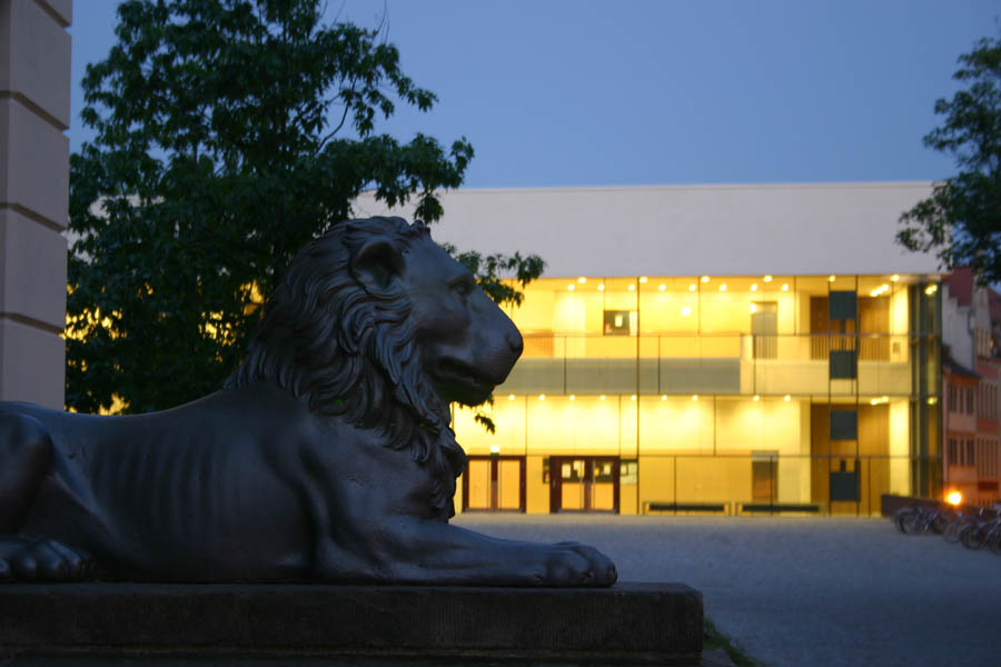 Halle - Uniplatz