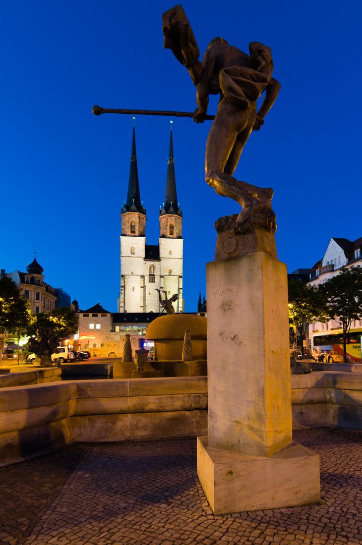 Halle/Saale Hallmarkt mit Göbel-Brunnen und Marktkirche