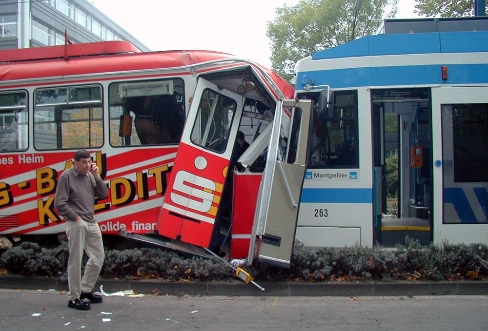"""""""...hallo, ADAC..meine Strassenbahn springt nicht mehr an..."""""""