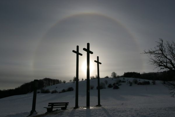 Halo (22°-Ring) um die Sonne