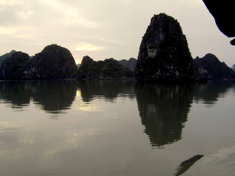 Halong Bay Vietnam/ b von Peter J. Winter