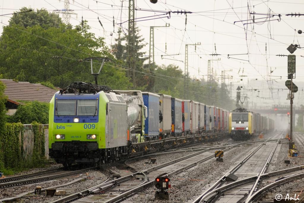Haltingen Re 485 009-5 und ES 64 F4-096