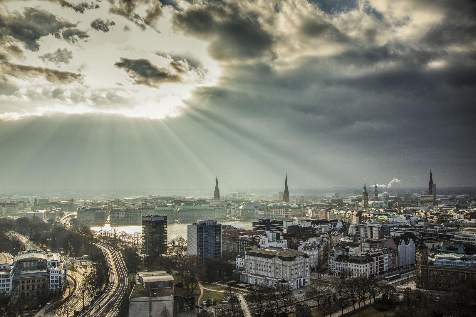 Hamburg Alster Sky