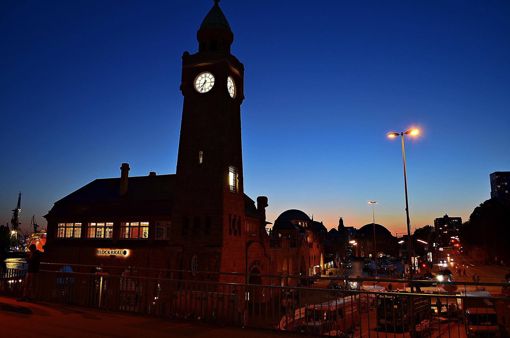 Hamburg am frühen Abend