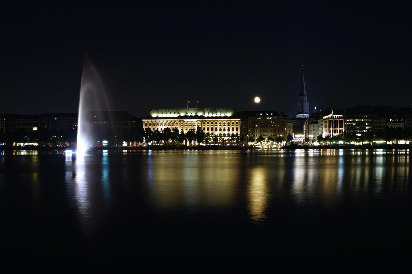 Hamburg bei Nacht.