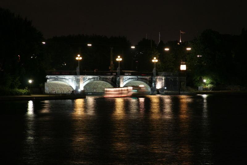Hamburg bei Nacht - Alster 10