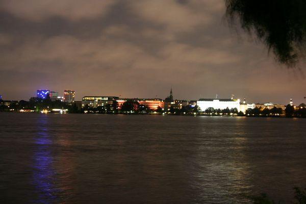 Hamburg bei Nacht - Alster 5
