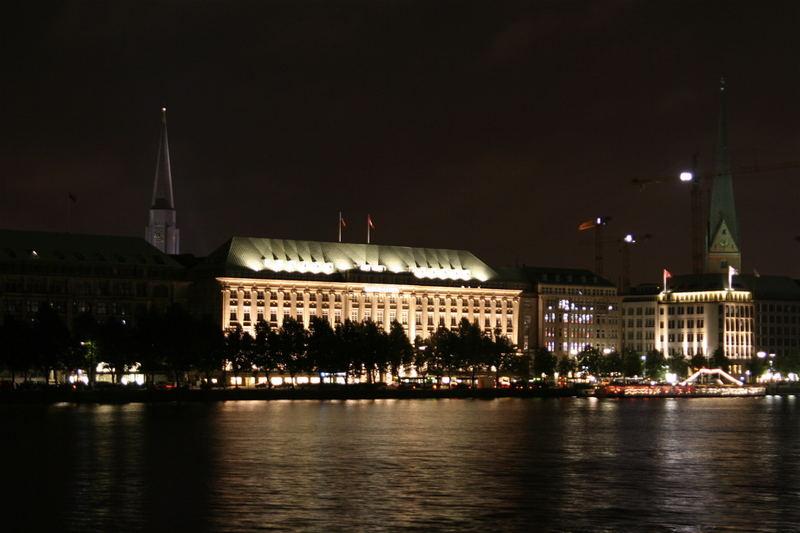 Hamburg bei Nacht - Alster 9