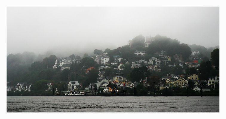 Hamburg Blankenese im Nebel