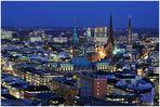 Hamburg City mit Rathaus, St. Petri und St. Jacobi....