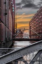 Hamburg - die Brücken am Kai, am Sandtorkai