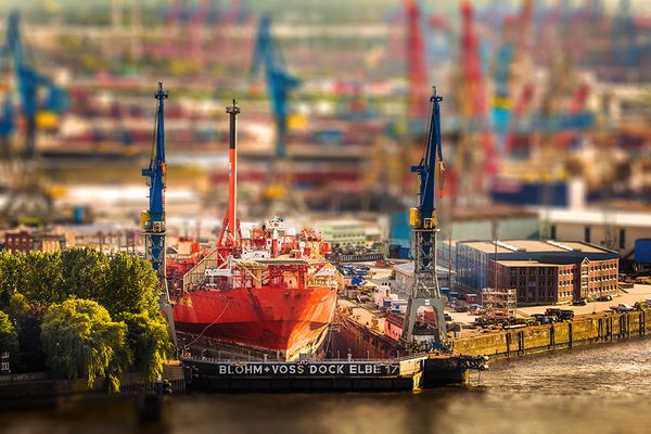 Hamburg Dock Elbe 17