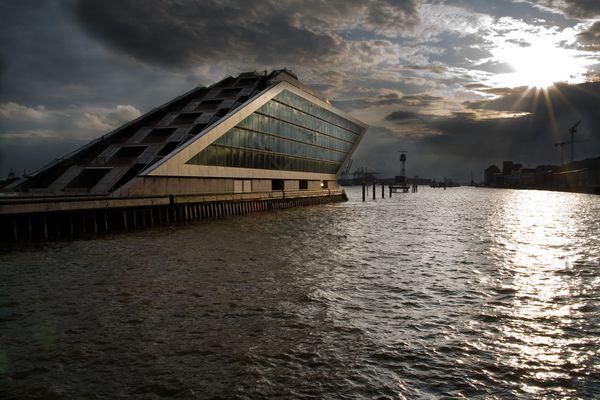 Hamburg: Docklands Abendstimmung