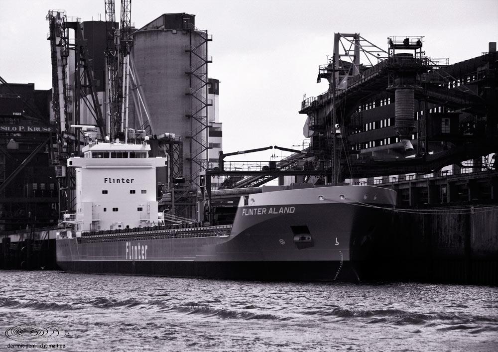 Hamburg dockside IV