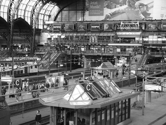 Hamburg Hauptbahnhof!