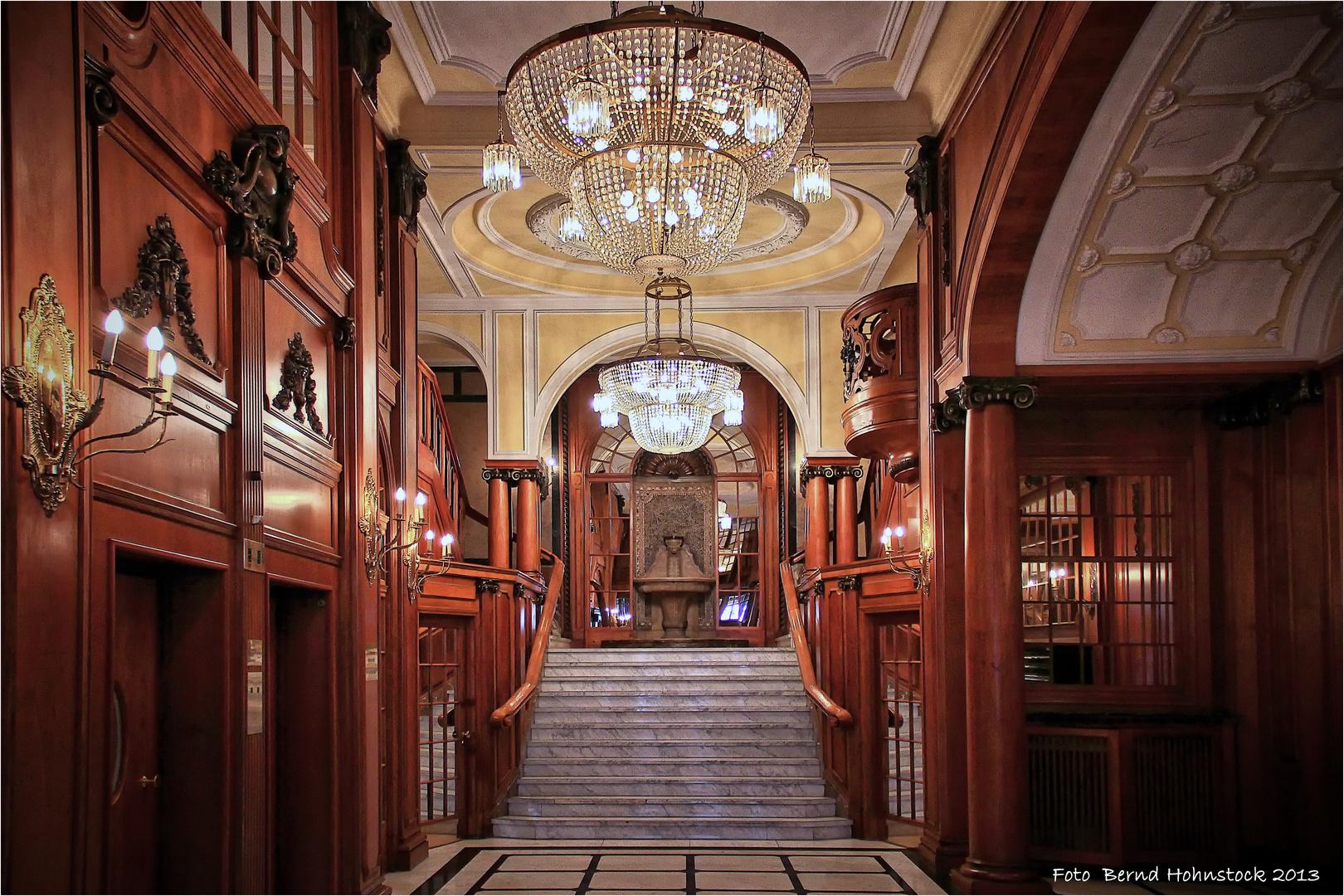 Hamburg  Hindenburghaus ....Treppenhaus ...