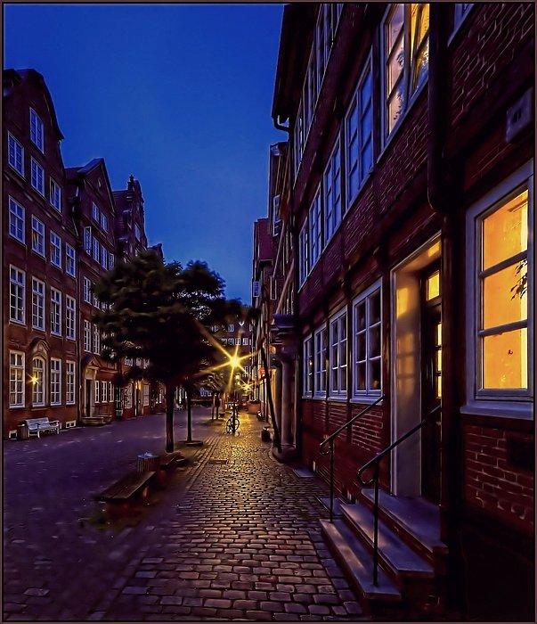 Hamburg Impressionen - Barockhäuser in der Peterstrasse am Abend