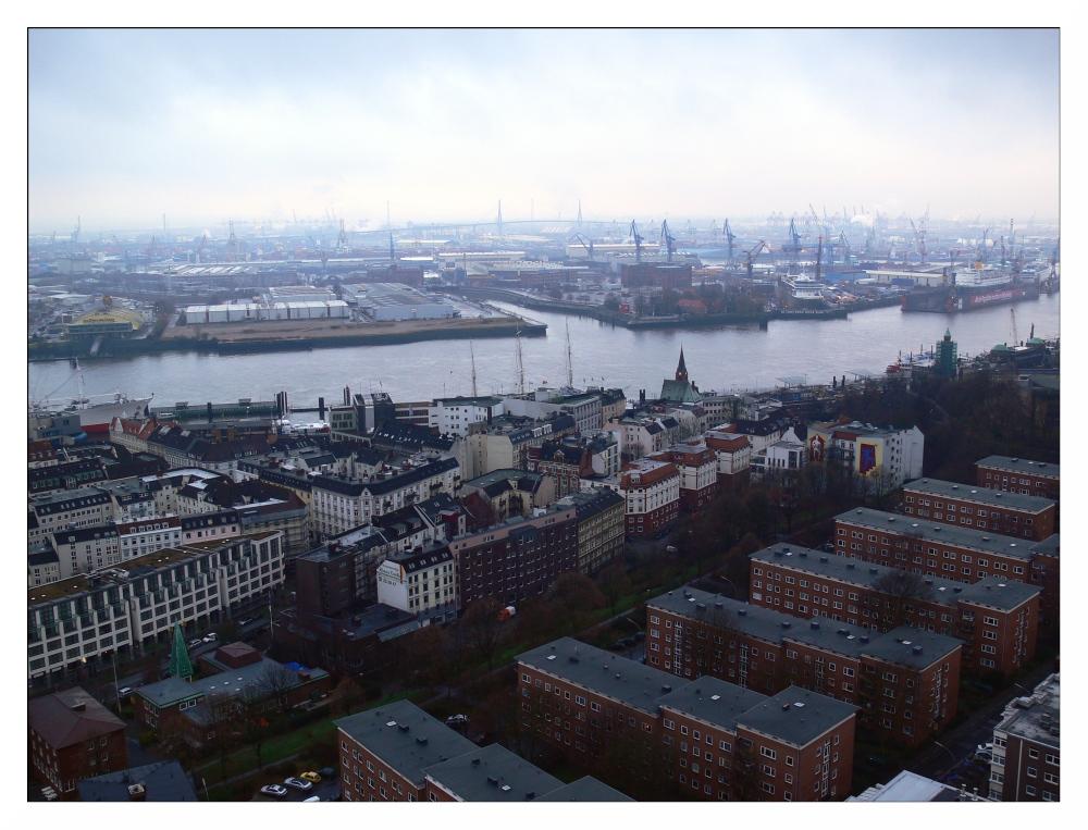 Hamburg in der dunklen Jahreszeit