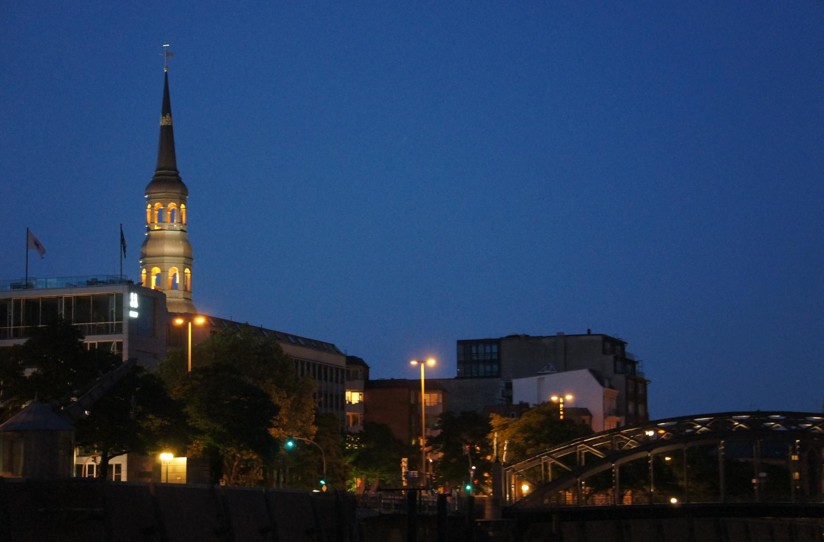 Hamburg Speicherstadt & Michel bei Nacht