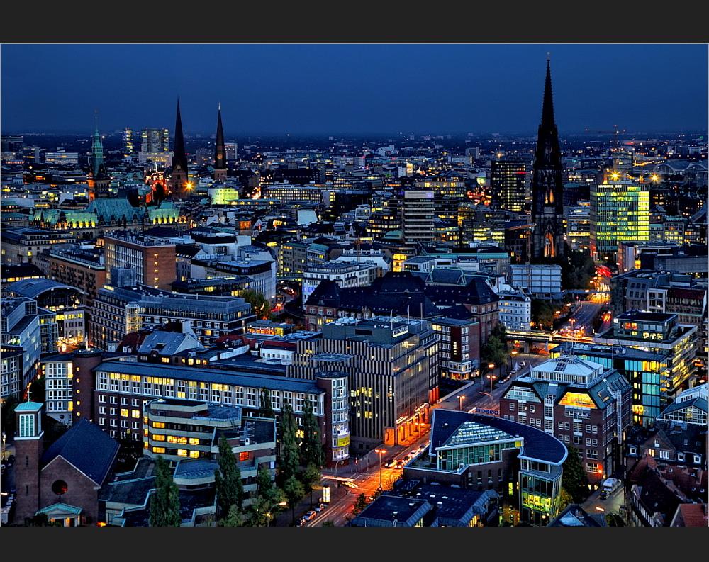 Hamburg und die Blaue Stunde