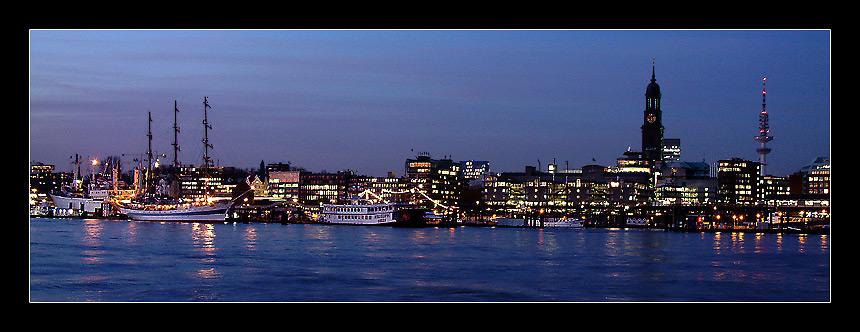 Hamburg vom anderen Ufer ll