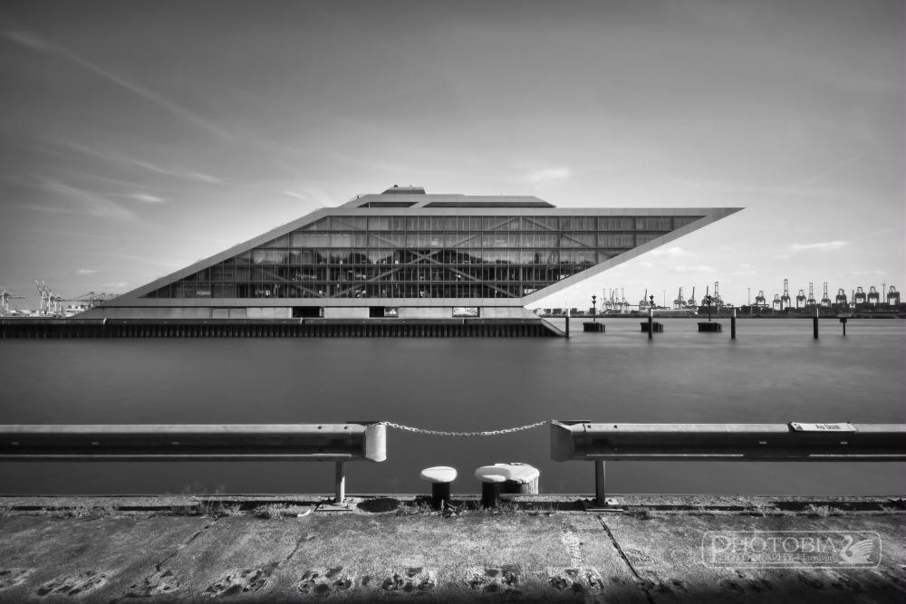 Hamburger Bürogebäude Dockland (Gray Art)