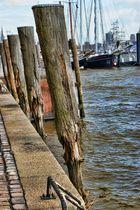 Hamburger Hafen Kaimauer