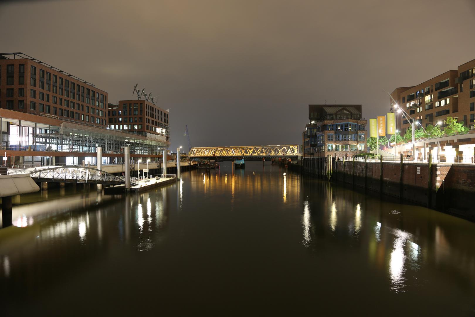Hamburger Nachthafen
