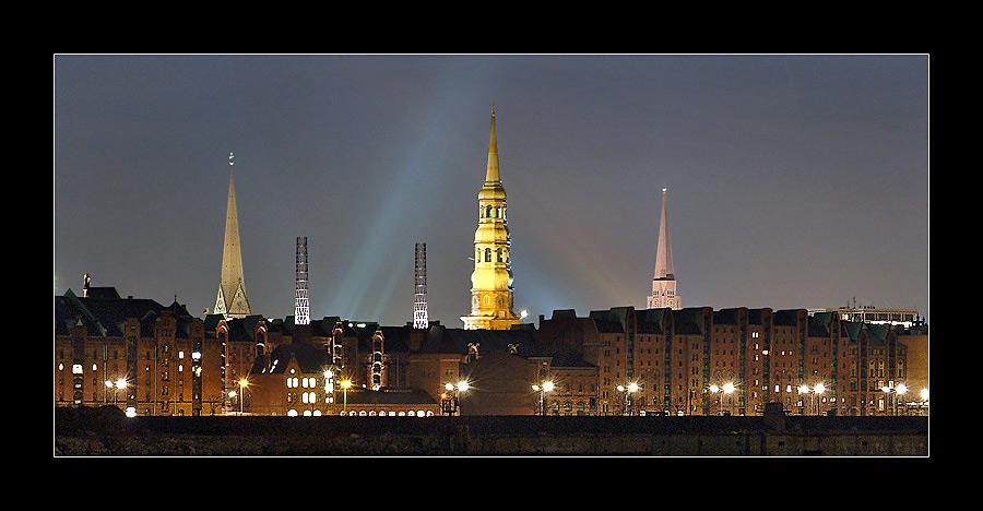 Hamburger Speicherstadt bei Nacht V