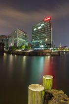 Hamburger Spiegelhaus bei Nacht