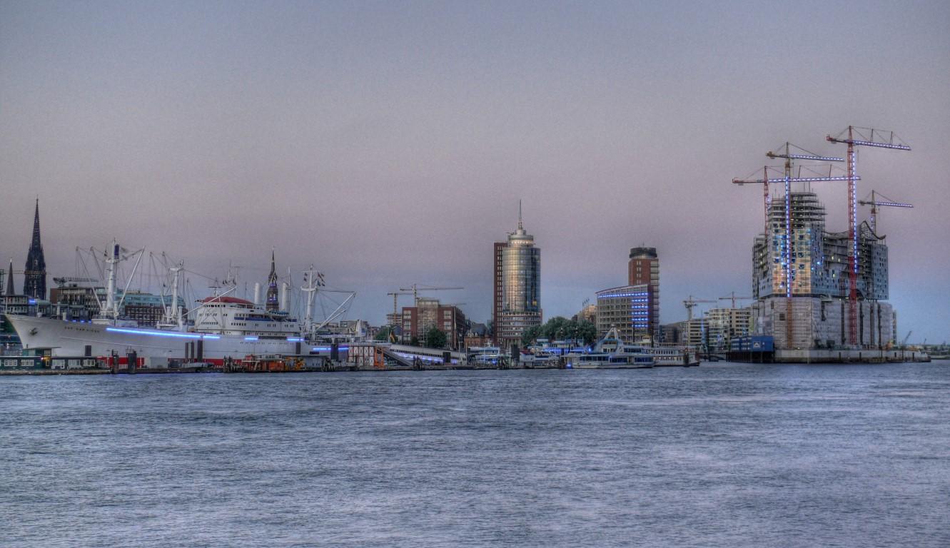Hamburger Sportboothafen in HDR