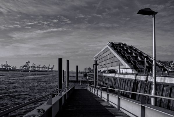 Hamburger Wahrzeichen - Am Dockland