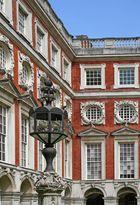 Hampton Court Palace - Fountain Court 2