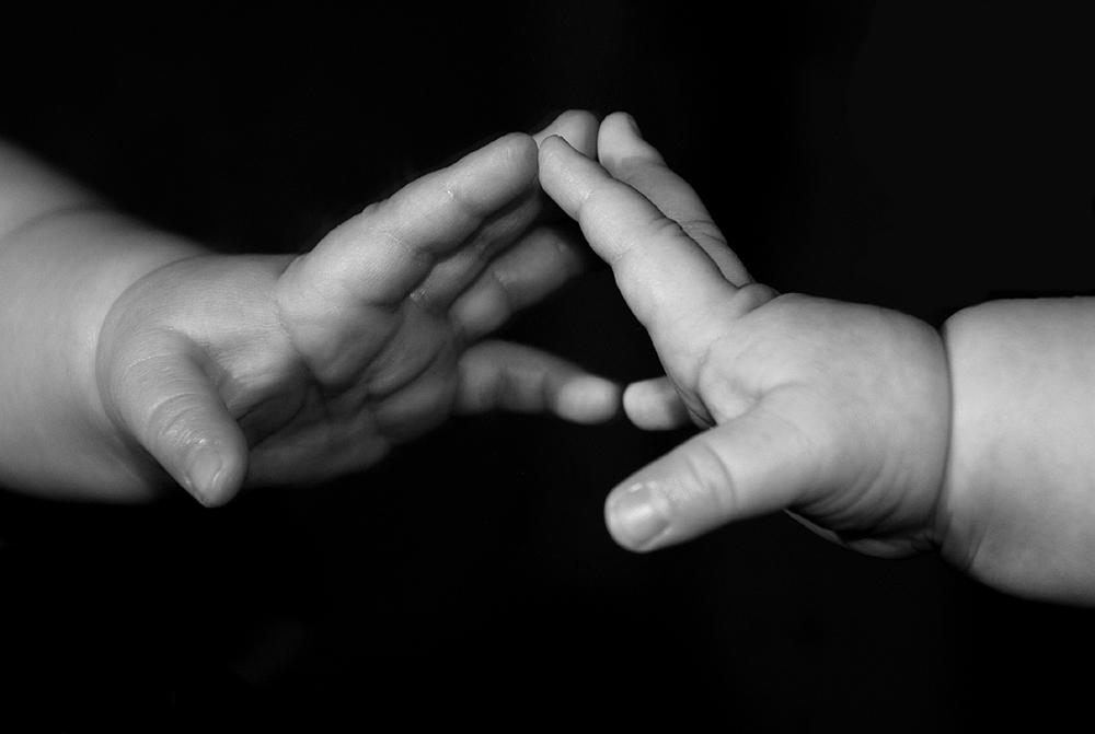 Hand im Spiegel... von petra xoxox