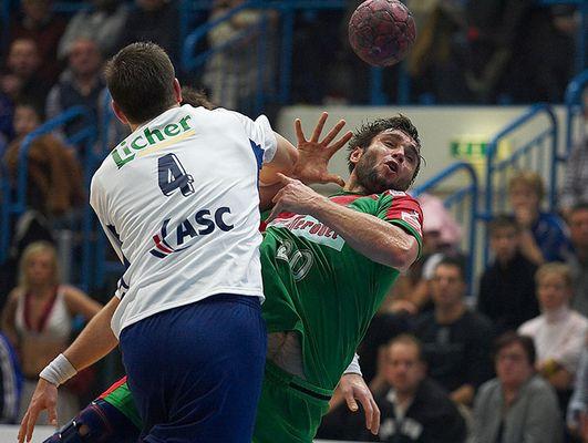 Handball: Querflieger