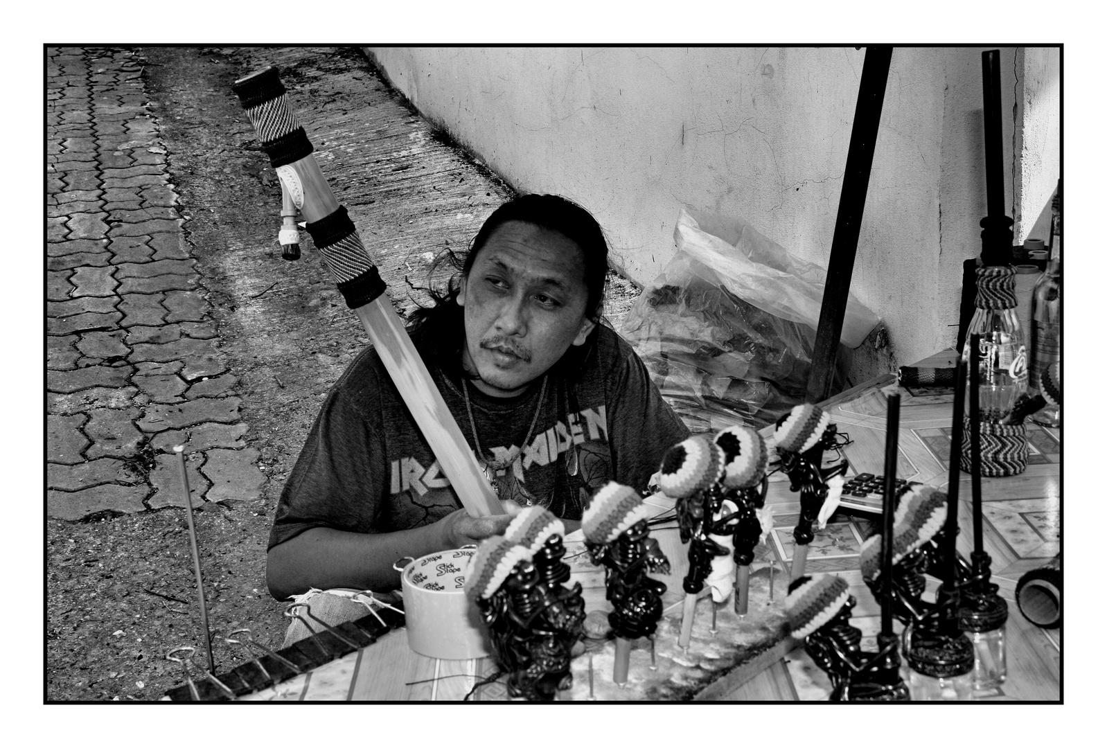 Handcraft Worker on Street @ Lamai